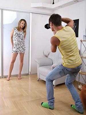 Photographer fucking a pretty willing teenage model hard