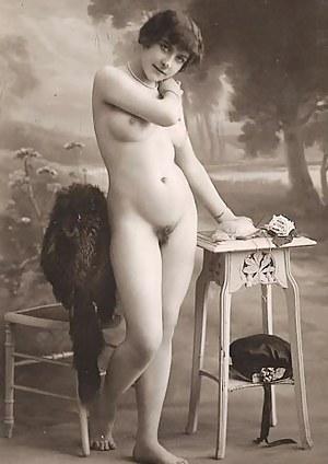 Full frontal vintage nudity chicks posing in the thirties